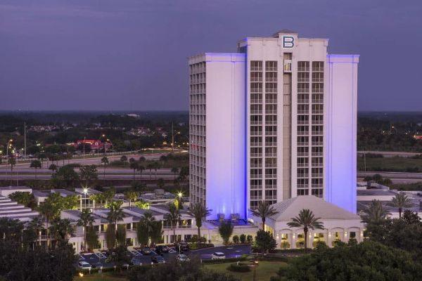 Outside evening view B Resort in Orlando 600