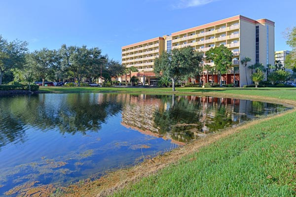 Comfort Inn Orlando Lake Buena Vista view across lake 600