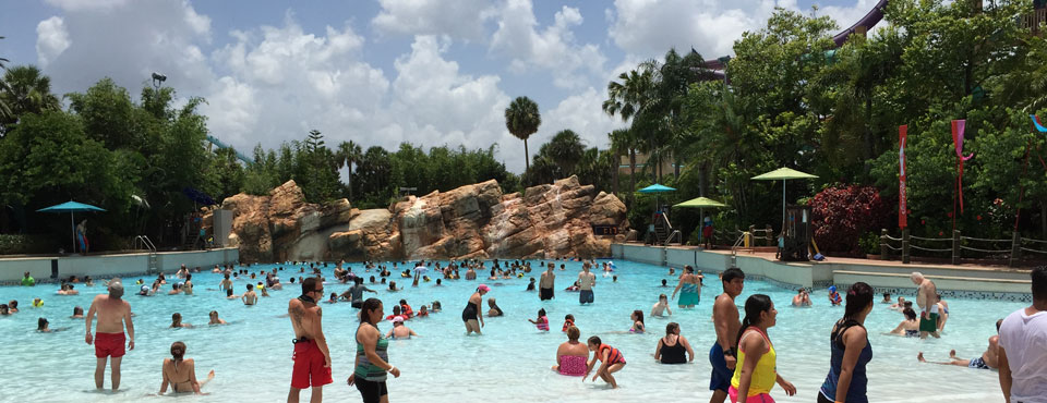 Cutback Cove Wave Pool at Aquatica Water Park in Orlando Fl