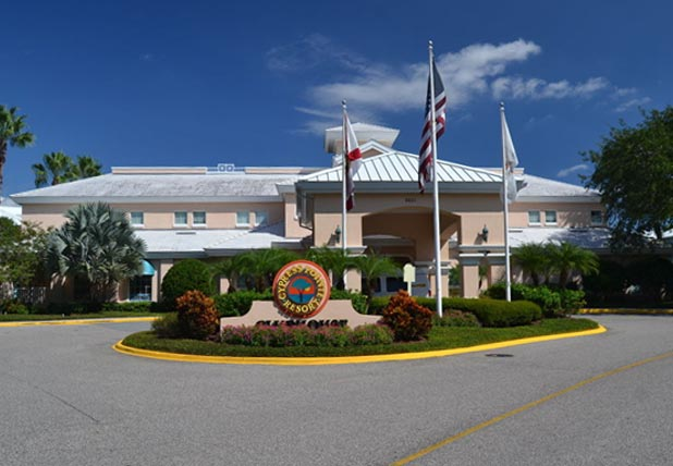 Front Entrance to the Cypress Pointe Resort in Orlando Fl 600