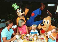 disney-character-dinner-at-chef-mickey