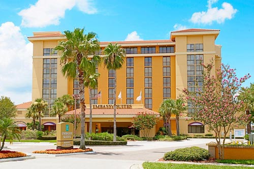 View of the entrance to the Embassy Suites in Orlando on International Drive