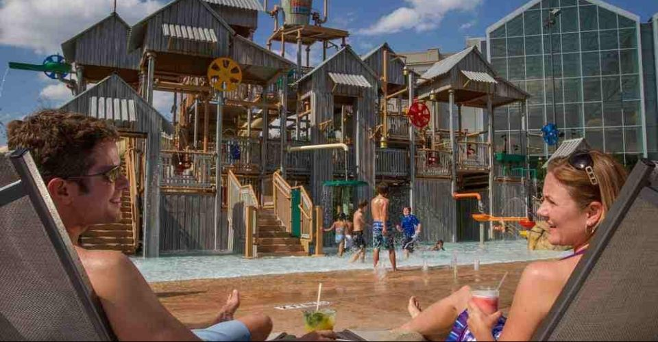 Kids Splash Park with fountains, buckets and sprinklers at Gaylord Palms Resort