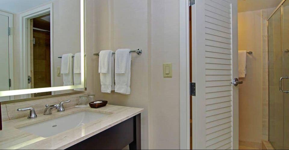 Solid top sink bathroom Hilton Buena Vista Palace 960