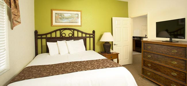 The 3 Bedroom Suite with a Queen Bedroom at Lake Buena Vista Resort Village in Orlando Fl