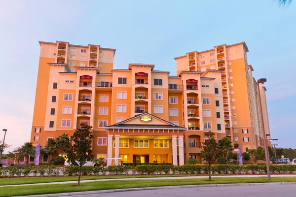 The front entrance to the Lake Buena Vista Village Resort