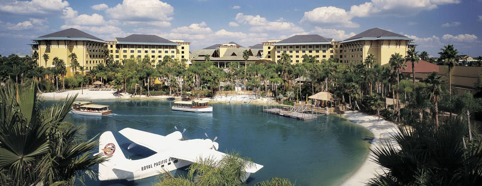Loews Royal Pacific Resort at Universal Orlando overlooking lake and beach area