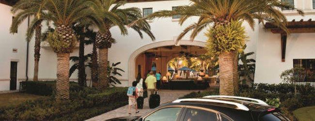 View of the entrance to the Marriott Lakeshore Reserve Villas and Townhomes 960