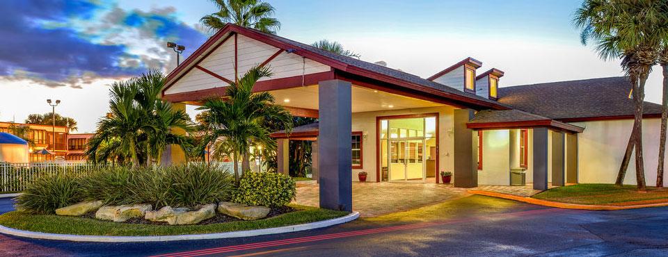 Main Entrance at the Orbit One Vacation Villas in Orlando wide