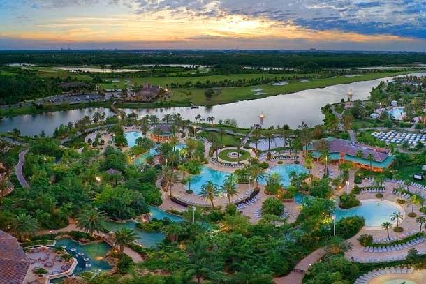 overview-pool-complex-jw-marriott