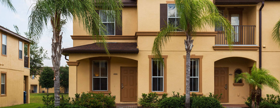 View of the outside of the 3 bedroom townhome at Regal Palms Resort in Davenport Fl