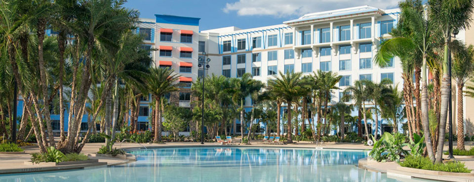 Loews Sapphire Falls Resort at Universal Orlando Pool with Rooms in the background wide