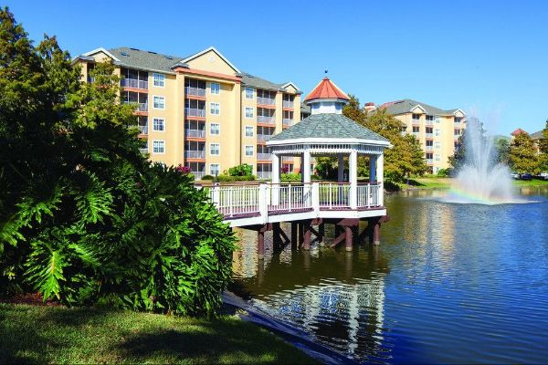 Villas overlooking the lake Sheraton Vistana Resort in Orlando 600