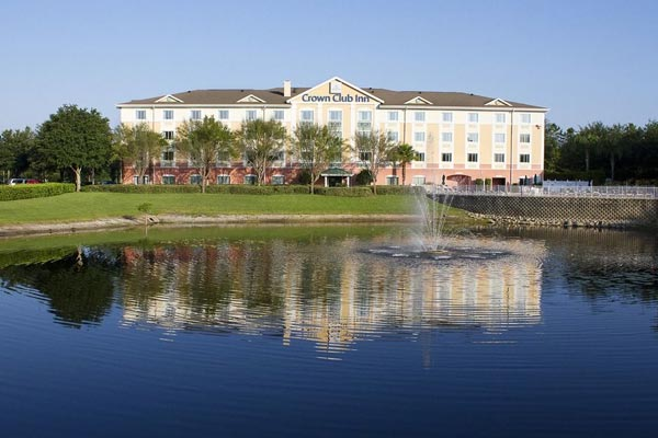 View of the Crown Club Inn part of the Summer Bay Resort in Orlando Florida 600