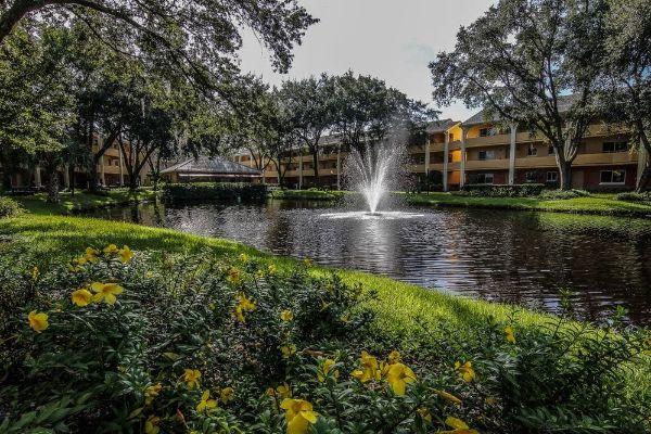 Westgate Leisure Resort Villas over Lake 600