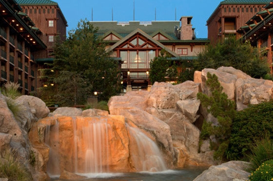 wilderness-lodge-back-waterfall