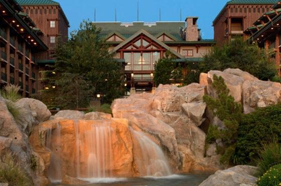 wilderness-lodge-back-waterfall