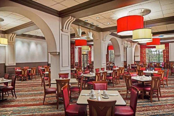 Dining at Lakeview Restaurant Wyndham Garden Lake Buena Vista